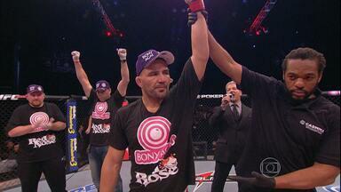 MIneiro Glover Teixeira vence americano no UFC, em Belo Horizonte - Mineirinho recebe bom público para assistir a lutas do UFC