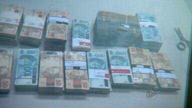 Homem de Campinas, SP, é preso com R$ 380 mil - Suspeito era investigado pela Polícia Federal de Ribeirão Preto (SP) por lavagem de dinheiro.