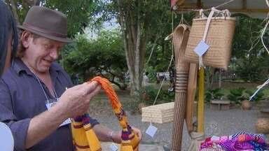 Índios amapaenses estão expondo seus produtos no museu Sacaca em Macapá - ÍNDIOS DE VÁRIAS ETNIAS AMAPAENSES ESTÃO EM MACAPÁ. ELES ESTÃO REUNIDOS NO MUSEU SACACA PARA EXPOR PRODUTOS DE ARTESANATO INDÍGENA.