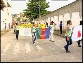 Ipatinga antecipa comemorações cívicas - Algumas escolas realizaram o tradicional desfile de 7 de setembro.
