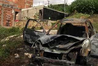 Policial Militar é assassinado após tentar conter assalto em Aracaju - Policial Militar é assassinado na Zona Norte de Aracaju ao tentar impedir assalto contra uma comerciante da orla do Bairro Industrial. A polícia não descarta outras motivações para o crime.