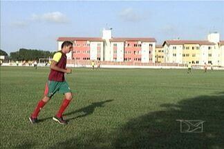 Sampaio age rápido e contrata Casagrande - Atacante iniciou os treinos no clube nesta quinta-feira