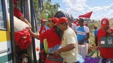 Após acordo com o MP, integrantes do MST deixam fazenda ocupada em Campanha - Após acordo com o MP, integrantes do MST deixam fazenda ocupada em Campanha