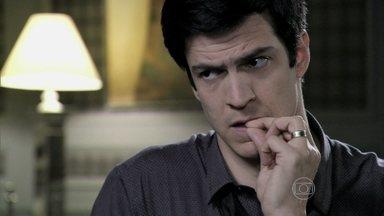Félix se vangloria por ter internado Paloma - Bernarda não consegue convencer Pilar a tirar a filha da clínica psiquiátrica