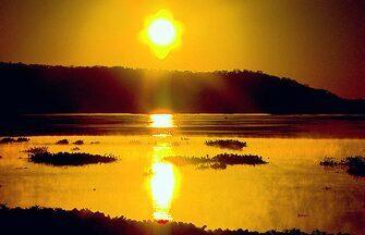 Terra da Gente - Chaco Paraguaio - Bloco 01 - O Terra da Gente deste sábado (21) cruza a fronteira para explorar as belezas naturais de um dos nossos vizinhos, o Paraguai. Vamos mostrar um lado pouco conhecido do país: áreas preservadas, cheias de bichos. É o Chaco Paraguaio,