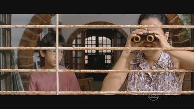 Filme de cineasta pernambucano briga por vaga no Oscar 2014 - 'O som ao redor' foi dirigido por Kleber Mendonça Filho.