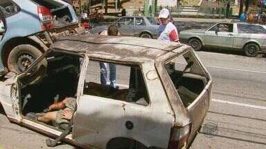 Campanha 'Na Contramão' simulou acidentes para orientar motoristas em Varginha - Campanha 'Na Contramão' simulou acidentes para orientar motoristas em Varginha