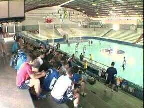 Jogos da juventude levam milhares de pessoas a Umuarama - São atletas de 95 cidades disputando as mais diversas modalidades.