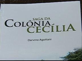 Descendente de italianos escreve livro sobre a Colônia Cecília em Palmeira - Ele conta as histórias da experiência anarquista na região.