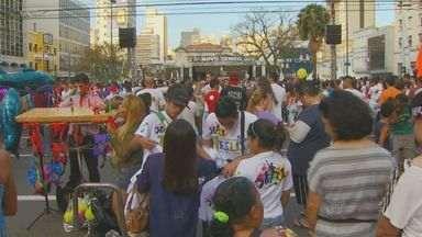"""'Marcha para Jesus' reúne milhares de fiéis em Campinas - A """"Marcha para Jesus"""" reuniu milhares de fiéis neste sábado (21), em Campinas (SP)."""