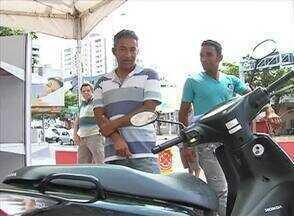 Feirão do Imposto é realizado em Caruaru - O Alto valor da carga tributária é motivo de reclamação por parte dos consumidores .