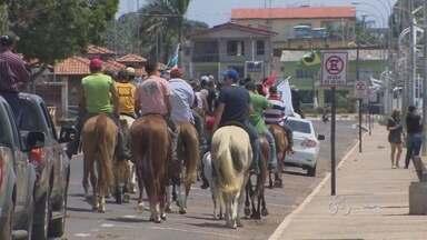Cavalgada 'invade' as ruas de Macapá, na manhã de sábado - Cavalgada 'invade' as ruas de Macapá, na manhã de sábado