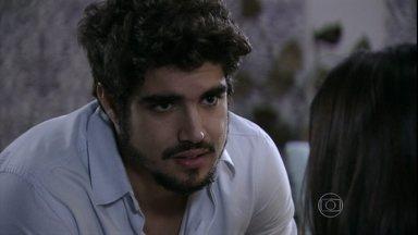 Michel avisa a Silvia que vai sair de casa para ficar com Patrícia - Advogada não conta para o médico que vai passar por uma cirurgia