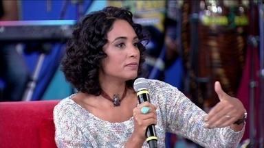 Psicóloga diz que adolescência está durando mais - Tatiana Paranaguá explica estudo que prega que adolescência vai até os 25 anos