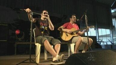 ZAPPEANDO: Confira o bate papo com os comediantes Irmãos Castro, em Manaus - Com muita irreverência eles falaram sobre a participação, em Manaus, no Anime Jungle Party.