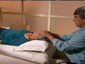Pesquisa comprova benefícios do reiki - Reiki é a energia vital universal aplicada pela imposição das mãos. O objetivo é que tanto quem aplica quanto quem recebe atinja um estado de equilíbrio. A técnica foi desenvolvida no Japão há mais de cem anos.