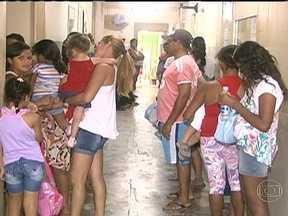 Prefeitura de Maceió decreta situação de emergência na saúde pública - Faltam remédios nos postos, principalmente para pacientes diabéticos e hipertensos, e algumas unidades funcionam precariamente, por causa de problemas nas instalações.