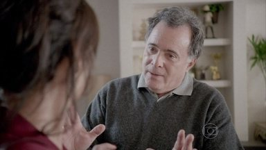 Trégua? Reinaldo se declara para Aurora e sensibiliza esposa - Ainda assim, prefeita insiste em continuar separada