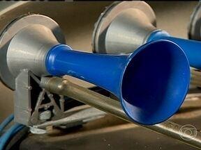 Descubra quais são os tipos de buzinas - Saiba como as buzinas clássicas e até as mais modernas funcionam e ainda aprenda quando é permitido buzinar.