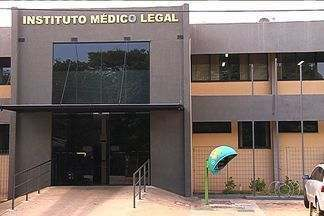 """Funcionários do Insituto Médico Legal aderam à greve da Polícia Civil em Goiás - Os trabalhadores vão iniciar o que chamam de """"operação padrão"""", ou seja, o serviço não será interrompido, mas segue em ritmo mais lento."""