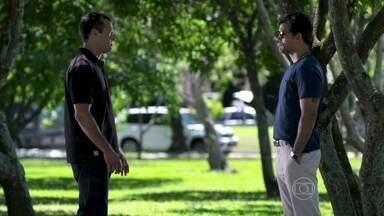 Bruno autoriza Ninho a se encontrar com Paulinha - Ninho reconhece seus erros e garante ao corretor que mudou