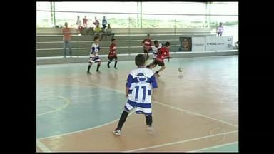 Pinheiral, RJ, recebe etapa do Festival Dente de Leite de Futsal - Time do Colégio Paulo Freire foi o grande campeão; disputa envolveu crianças de até 10 anos.