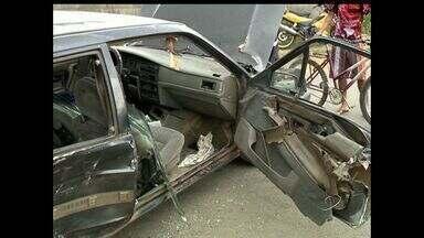 Acidente na Rodovia do Contorno, no ES, deixa duas pessoas gravemente feridas - Ao perceber gravidade, motorista que provocou colisão fugiu do local.