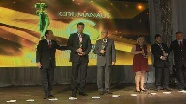 Rede Amazônica e G1 são homenageados nas comemorações dos 50 anos da CDL-Manaus - Jornalista Phelippe Daou, presidente do Grupo Rede Amazônica, e Phelippe Daou Jr, diretor do Portal G1 Amazonas, foram agraciados.