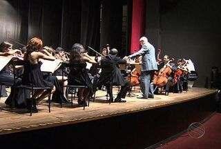 Concerto de Orquestra Sinfônica de Itabaiana homenageia médico no Teatro Atheneu - Concerto de orquestra sinfônica de Itabaiana homenageia médico no Teatro Atheneu