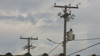 Aumentam problemas com abastecimento de energia elétrica devido a temporais em RO - Moradores da Zona Norte de Porto Velho acumulam perdas com os eletrodomésticos.