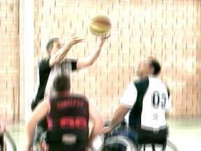 Quatro equipes gaúchas disputam campeonato de basquete sobre rodas em Erechim, RS - A competição foi organizada pela Associação dos Deficientes Físicos do Alto Uruguai.