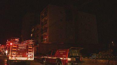 Incêndio destrói apartamento em Ribeirão Preto - Ainda não se sabe a causa do incêndio, que começou no quarto