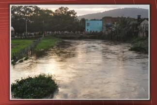 Buscas por menino de 15 anos que sumiu em rio de Buerarema continuam nesta tarde - O Corpo de Bombeiros fez buscas na última segunda e na manhã dest terça, mas a correnteza está forte.