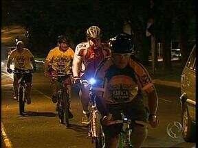 Movimento Saúde mostra os benefícios de andar de bicicleta - Ruas planas de Maringá são um convite à prática esportiva