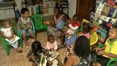 Bibliotecas comunitárias incentivam prática de leitura em comunidades carentes de BH - Espaços são mantidos por meio de doações e oferecem oportunidades para crianças e jovens.