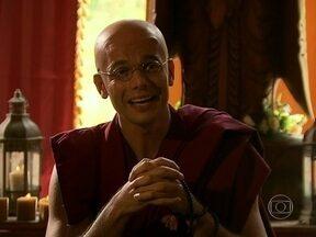 Inspirado em Joia Rara, Otaviano Costa se transforma em 'Dalai Mala' - Monge do Vídeo Show encara o vilão Ernest e a descompensada Bárbara Ellen