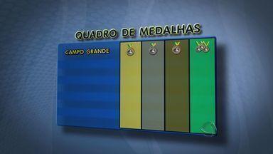 Veja o quadro de medalhas finalizado dos Jogos da Juventude em Campo Grande - Quem ficou em primeiro foi a escola municipal Professor Licurgo de Oliveira Bastos: 16 medalhas de ouro, 11 de prata e outras 11 de bronze – total de 38.