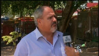 Lojistas iniciam preparativos para vendas de fim de ano - No comércio de Manaus, lojas começam a receber itens natalinos