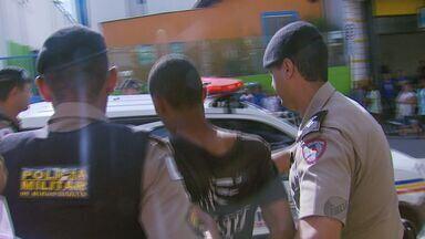 Polícia recaptura suspeito de assassinato que fugiu enquanto era deixado em presídio - Polícia recaptura suspeito de assassinato que fugiu enquanto era deixado em presídio