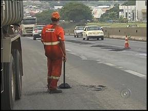 Edital da duplicação da BR-153 na região de Rio Preto deve demorar ainda um mês para sair - Ainda vai demorar no mínimo mais um mês para que o edital da duplicação da BR-153 seja publicado, e então as licitações possam ser abertas. A informação é do DNIT , o Departamento Nacional de Infraestrutura de Transporte.