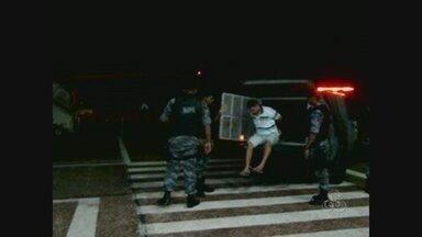 Preso do Amapá é transferido para presídio de segurança máxima no Paraná - Mais um preso do Iapen foi transferido para um presídio de segurança máxima.