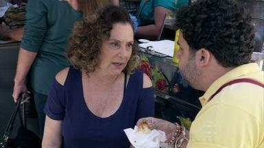 Márcia garante que não vai se abalar com separação - Rinaldo questiona a ex-chacrete sobre Atílio