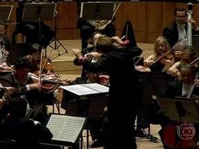 Orquestra Sinfônica de São Paulo se apresenta em Londres - A Osesp se apresenta pela primeira vez no Royal Festival Hall, que faz parte do principal centro de artes de Londres. No repertório, músicas que refletiram a década de 1960, como a 'Sinfonia número 4 - Brasília', de Camargo Guarnieri.