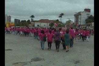 Mobilização no Parque do Povo, em Campina Grande, em prol da campanha Outubro Rosa - Câncer de mama mata mais de 30 mulheres por dia no Brasil.