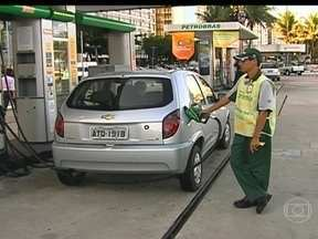 Petrobras anuncia reajuste de combustíveis e mercado responde positivamente - A proposta da empresa animou acionistas e as ações preferenciais fecharam em alta nesta segunda-feira (28). Até o momento, os reajustes têm um cronograma definido mediante a aprovação do governo.
