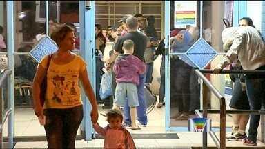 Pacientes reclamam da saúde pública em Jacareí (SP) - Pacientes de Jacareí reclamam da demora no atendimento na Unidade de Pronto Atendimento Infantil.