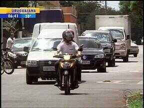 Motoristas de Santa Rosa, RS, não usam o cinto de segurança dentro da cidade - Polícia admite que falta fiscalização.