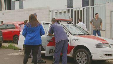 Assaltantes invadem cinco galpões na madrugada desta quinta-feira em Campinas - A quadrilha invadiu os cinco galpões localizados no Parque Via Norte. Os criminosos levaram ferramentas, computadores e aparelhos de televisão.
