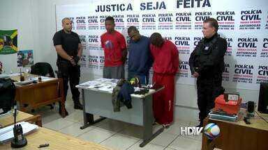 Quadrilha de assaltantes em Juiz de Fora contava com a ajuda de crianças - Grupo formado por dez pessoas, sendo sete menores foi detido.Eles são suspeitos assaltarem o matadouro do açougue municipal.
