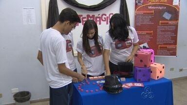 Alunos de Manaus utilizam truques de mágica para facilitar aprendizado de matemática - Projeto foi desenvolvido dentro da própria escola